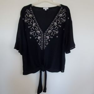 Eyeshadow Black Embroidered Top - M